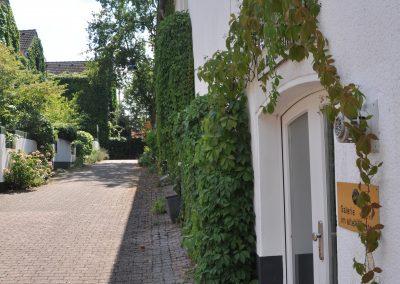 Gässchen Idylle Klosterkapelle Seiteneingang © www.wingart.de