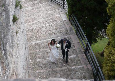Brautpaar Zeremonie Burg © www.wingart.de